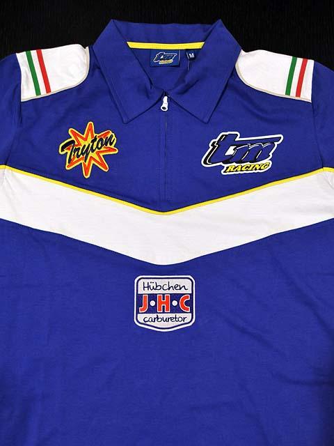 スポーツシャツの刺繍